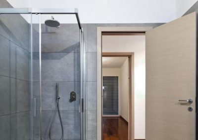 Residential_BathroomGlass